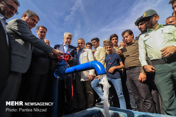 Energy min. inaugurates projects in Chaharmahal and Bakhtiari