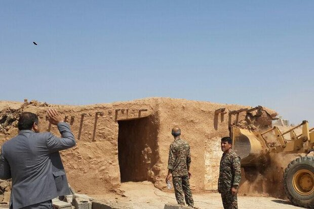 ۱۰ هزار مترمربع از اراضی ملی دهلران آزادسازی شد