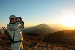 ضاربان محیط بان اصفهانی دستگیر شدند/ ۲ شکارچی مسلح متواری هستند