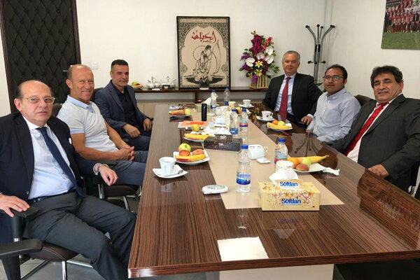 نشست مدیرعامل پرسپولیس با سفیران برزیل و آرژانتین با حضور کالدرون