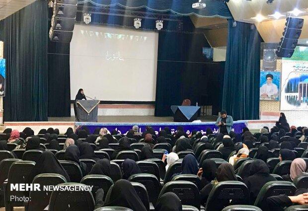 پگاه خاطره زنان و دفاع مقدس ازسوی حوزه هنری فارس برگزار شد