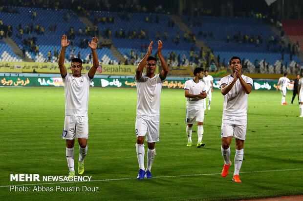باخت تیم پیکان مقابل نفت مسجدسلیمان در دقیقه ۹۱