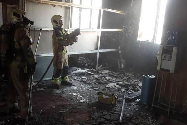آتش سوزی در ساختمان بازار متشکل ارزی/دلیل: اتصالی در سیستم برق