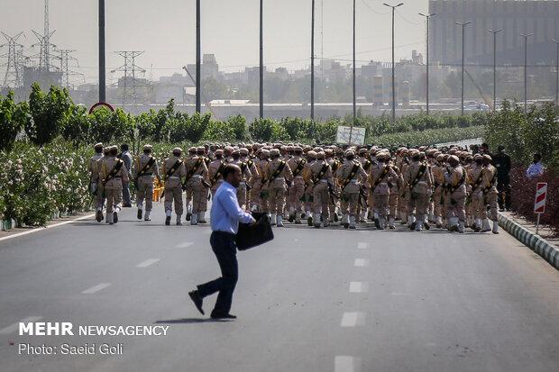 askeri geçit töreni