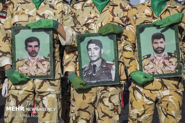 مراسم العروض العسكرية في تبريز
