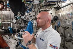 ساکنان ایستگاه فضایی بین المللی در دستگاه های خاص تنفس می کنند