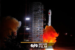 VIDEO: China sends two satellites into orbit