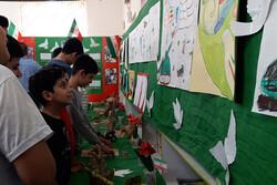نمایشگاه آثار هنری کودکان لرستانی با مضامین دفاع مقدس برپا شد