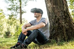 صنعت بازی ویدئویی در اندیشه نجات زمین