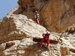 ۱۳ گردشگر و کوهنورد در ارتفاعات اصفهان نجات یافتند