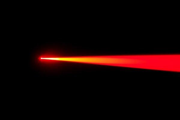 تازهترین دستاوردهای «ایرانساخت» لیزر و فتونیک عرضه شد