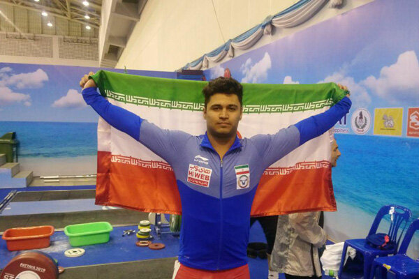 Mousavi collects silver in Intl. Suleymanoglu weightlifting competition
