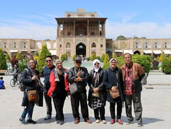 Iran's 5-month foreign tourist arrivals surge 30 percent