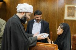 لقاء رئيس منظمة الاعلام الاسلامي بعدد من ابناء الشهداء