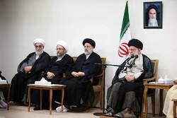 استقبال قائد الثورة لاعضاء مجلس خبراء القيادة / صور