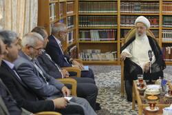 وزیر تعلیم کی قم میں مراجع عظام سے ملاقات