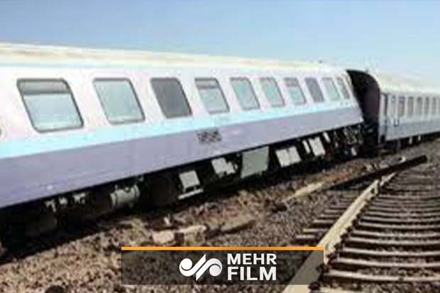 شرح لحظه خارج شدن قطار زاهدان به تهران از ریل