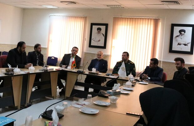 نهادهای فرهنگی استان سمنان در الگوسازی شهدا فعالتر عمل کنند