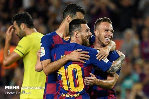 دیدار تیم های فوتبال بارسلونا و ویارئال