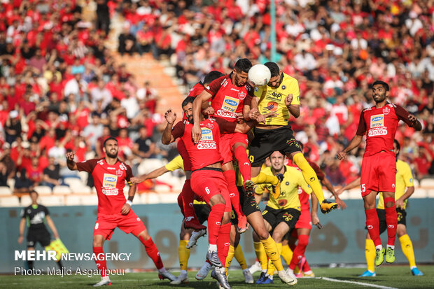 Sepahan vs. persepolis in Persian Gulf Pro League