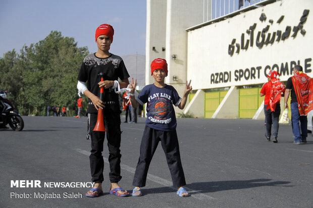 حاشیه های از ورود طرفداران پرسپولیسی به ورزشگاه آزادی