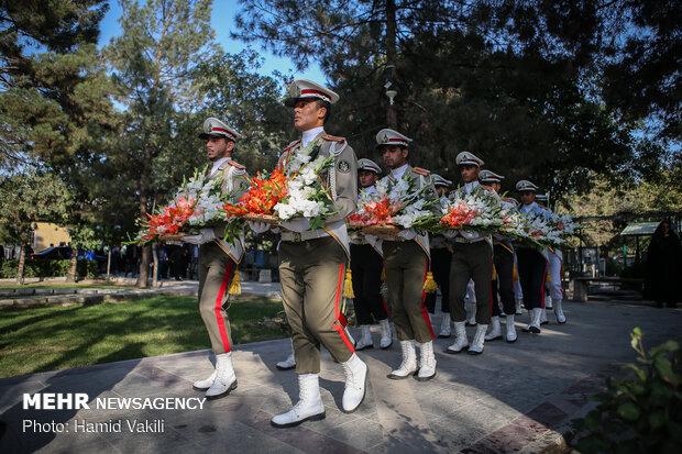 مراسم تنظيف مقبرة شهداء الدفاع المقدس