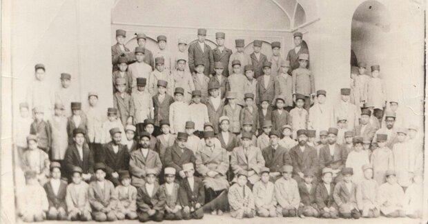 اولین مدرسه دولتی در اردستان ۱۰۰ساله شد