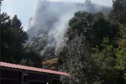 آتشسوزی در حریم بنای تاریخی قلعه «فلک الافلاک» / حریق اطفاء شد