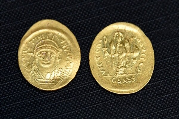 Çanakkale'de Bizans dönemine ait altın hazine bulundu