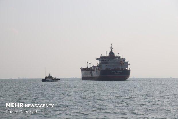 آتش سوزی یک نفتکش در نزدیکی سواحل امارات متحده عربی