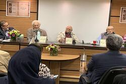 خاطرات نخستین ویراستاران نشر فارسی مرور شد