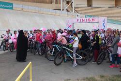 ۳۰۰ دوچرخه سوار بانو در آزادی رکاب زدند