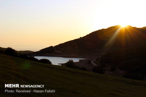 """بحيرة """"سوها"""" والسهول المحيطة بها شمال غربي ايران"""