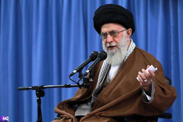 قائد الثورة: نحن لا نعتبر دول الجوار أعداء طالما لم يعتدوا علينا