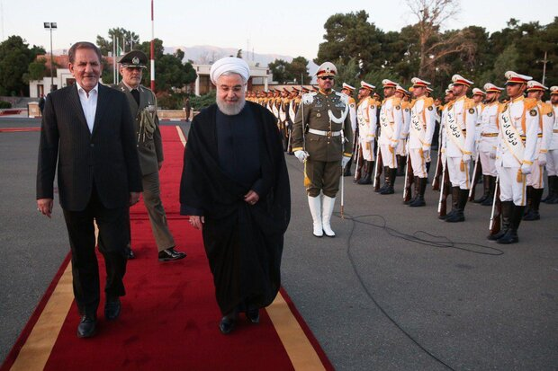 الرئيس الإيراني يغادر طهران متوجها إلى أرمينيا لحضور قمة أوراسيا الإقتصادية