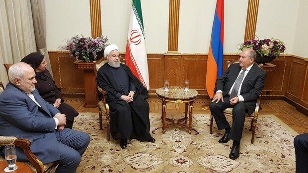 رایزنی سران ایران و ارمنستان درباره گسترش روابط اقتصادی و سیاسی