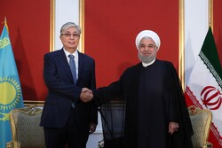 Rouhani meets Kazakh counterpart in Yerevan