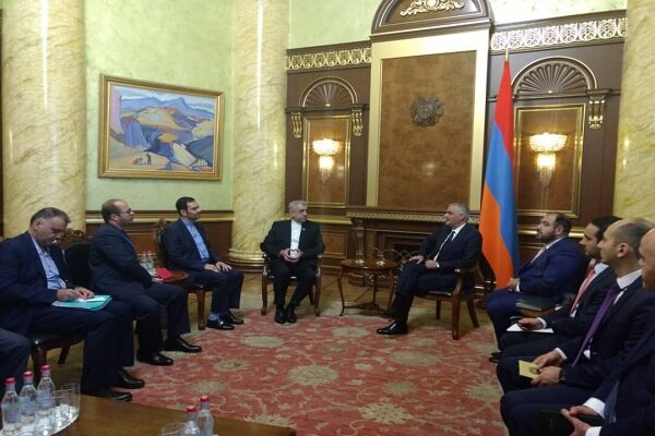 Iran-Armenia joint economic commission reviews bilateral agreements