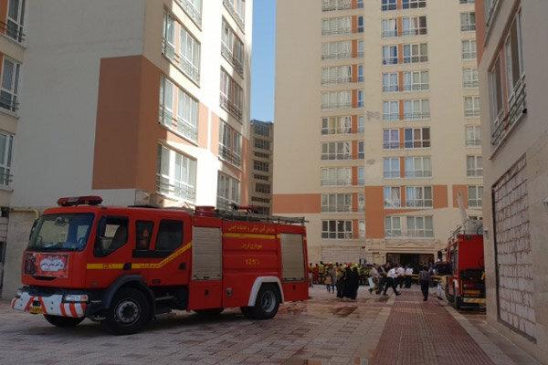 مانور عملیات آتش نشانی در برجهای بلند مرتبه قزوین اجرا شد