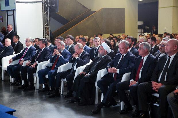 حضور روحانی در جلسه بررسی ظرفیت های حمل و نقل اوراسیا