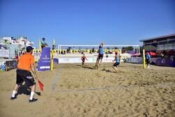 ۴۴ تیم در جداول مقدماتی و اصلی تور جهانی والیبال ساحلی بندرعباس