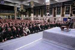 القائد العام للقوات المسلحة يستقبل قادة الحرس الثوري / صور