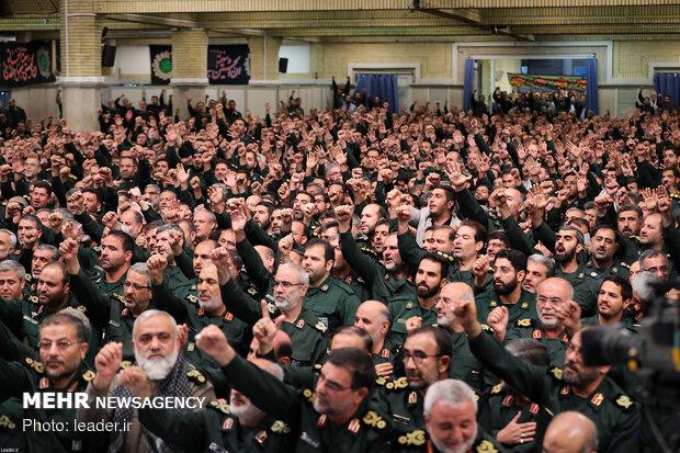 القائد العام للقوات المسلحة يستقبل قادة الحرس الثوري
