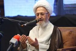 انس با قرآن جوانان را در برابر حملات فضای مجازی حفظ میکند