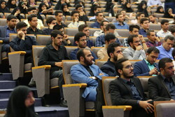 اعطای وام به دانشجویان علوم پزشکی برگزیده در جشنواره قرآن و عترت