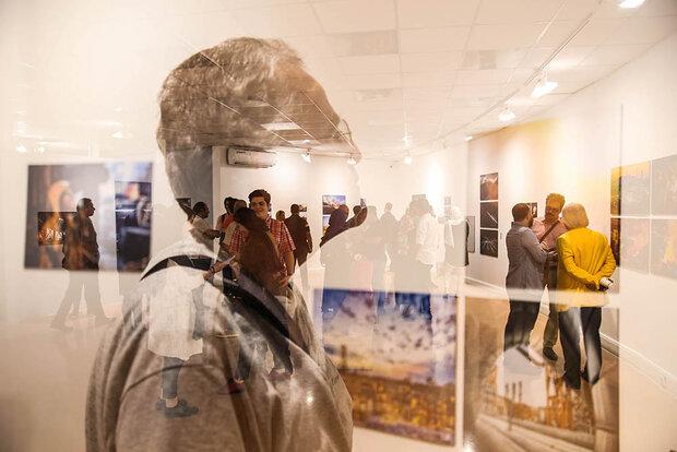 نمایشگاه عکسهای صنعتی و تبلیغاتی در خانه هنرمندان افتتاح شد