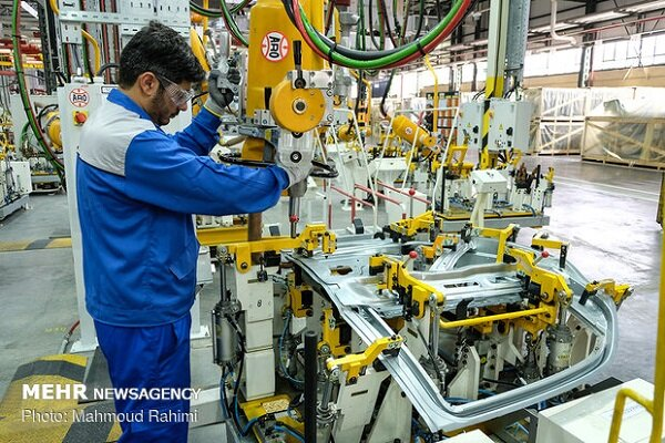 Conclusion of contract for indigenizing 77 automotive parts