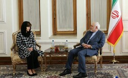 New Australian envoy submits credentials to Zarif