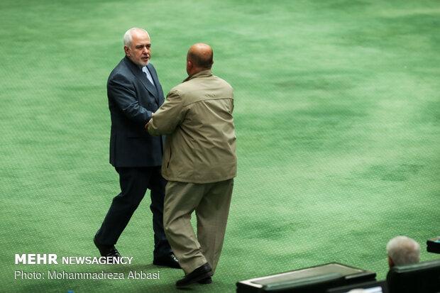 الجلسة العلنية للبرلمان الايراني بحضور ظريف
