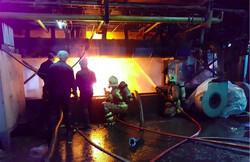 کوره ذوب شیشه یک کارخانه تولیدی در غرب تهران آتش گرفت